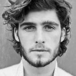 cortes-de-pelo-y-peinados-para-hombres-con-cabello-ondulado-o-rizado-otono-invierno-2015-2016-efecto-despeinado