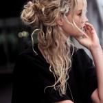 los-mejores-cortes-de-cabello-y-peinados-para-mujer-otono-invierno-2014-2015-pelo-rizado-estilo-despeinado-grunge-600x900