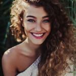 mejores-cortes-de-cabello-y-peinados-para-mujer-otono-invierno-2014-2015-pelo-rizado-600x900